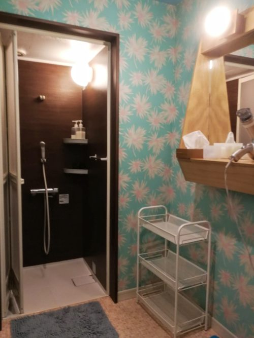 アンドモッシュシャワー室