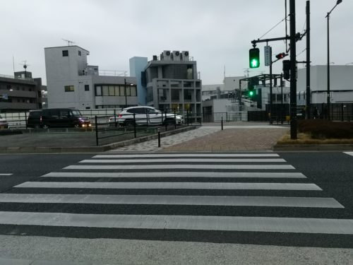 代々木八幡駅の横断歩道