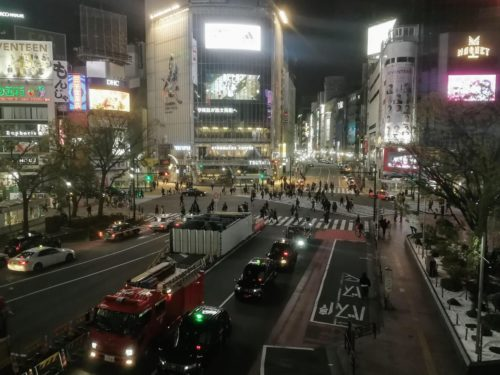 閑散とした渋谷・スクランブル交差点