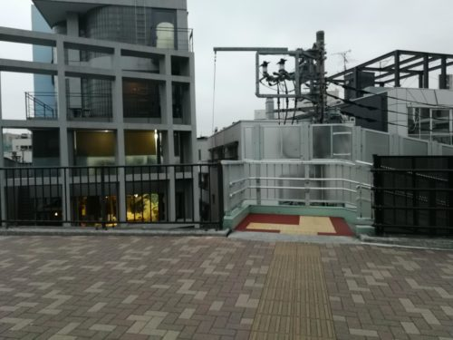 代々木八幡駅近くの階段